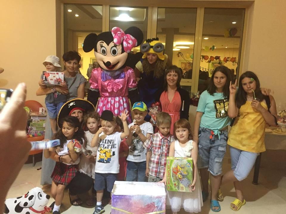 Израильские волонтеры устроили праздник больным детям